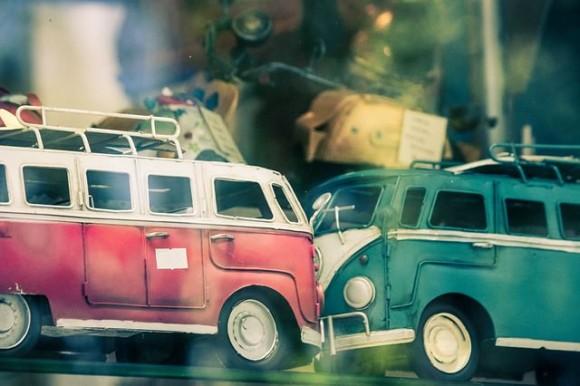 車の衝突画像