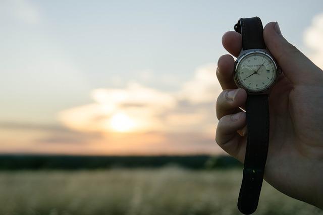 腕時計オーバーホールするなら