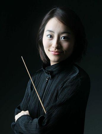 指揮者の斎藤友香理さん
